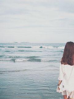 守在海边的人